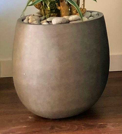 plantenpot zandsteen bolvormig grijs