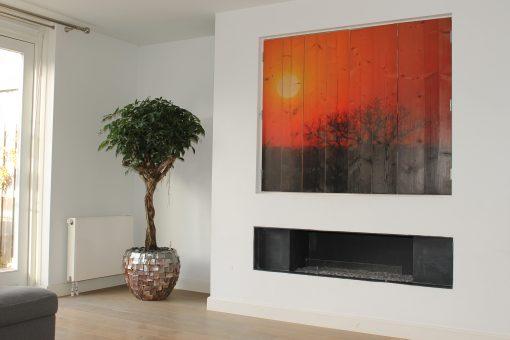 Ronde plantenbak parelmoer met boom in huis